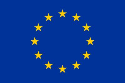 Eine Flagge mit im Kreis angeordneten gelben Sternen vor blauem Hintergrund